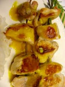 Receita de Espetadas de frango com rosmaninho e gengibre