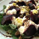salada de beterraba e queijo