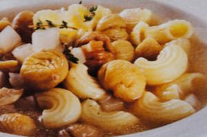 sopa quentinha recheada de castanhas