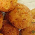 moldes surpesa com queijo e grao
