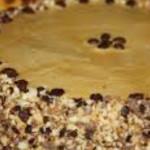 bolo tipo folhado de amendoa cafe e caramelo