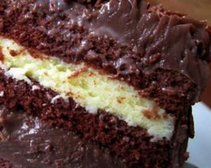 fofinho redondo de chocolate com recheio de maracuja