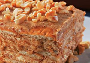 bolo gelado com praline de amendoim