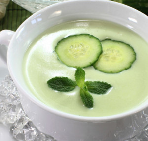 sopa fria de pepino e requeijao