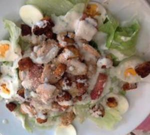 salada de frango com molho branco